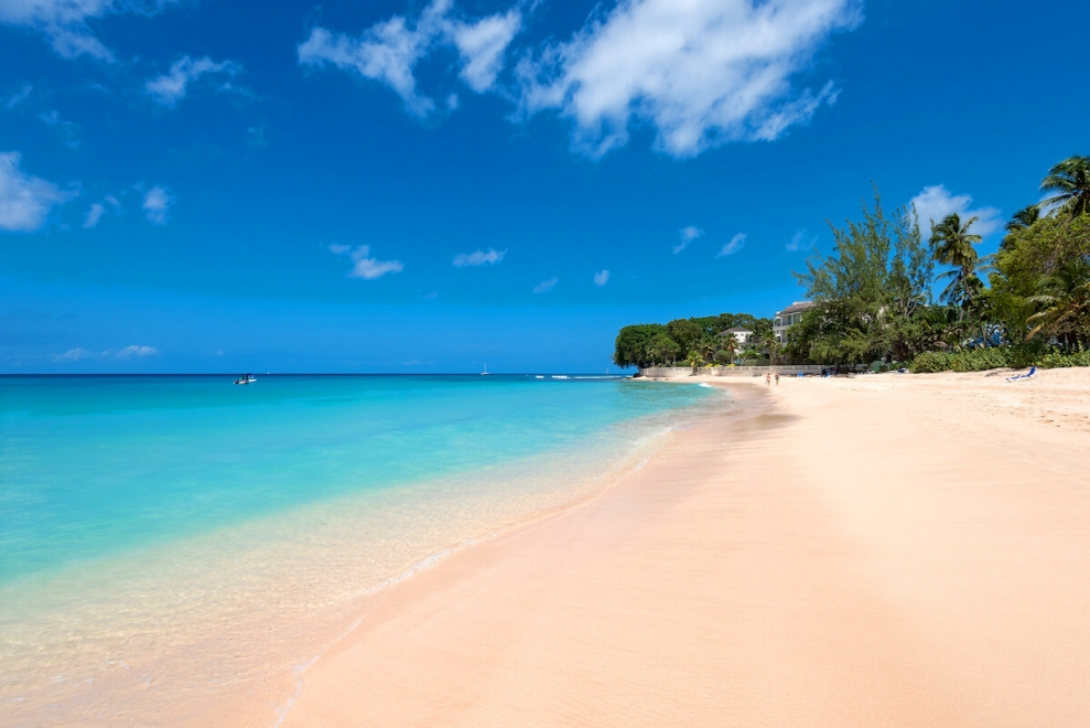 stunning coral beach bedroom | Condo Coral Cove 11 | Beach Front - Located in Beautiful ...
